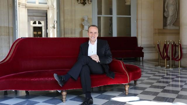 """Jean-Pierre Gratien présente le samedi à 17h l'émission """"Où, quand, comment l'histoire"""" (Crédit : A.Faidy Autobus prod)"""