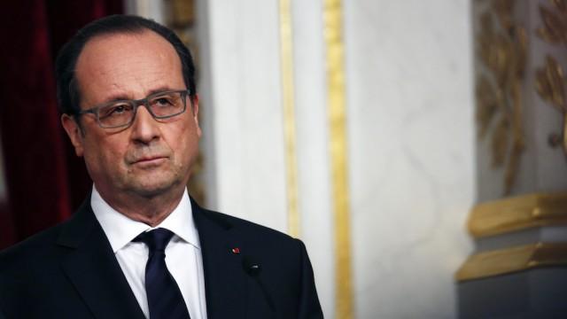 France. paris le 2016/04/20 Francois Hollande portrait et attitudes Francois Hollandeportrait pensif et soucieux