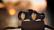 binoculars-1269458_1920