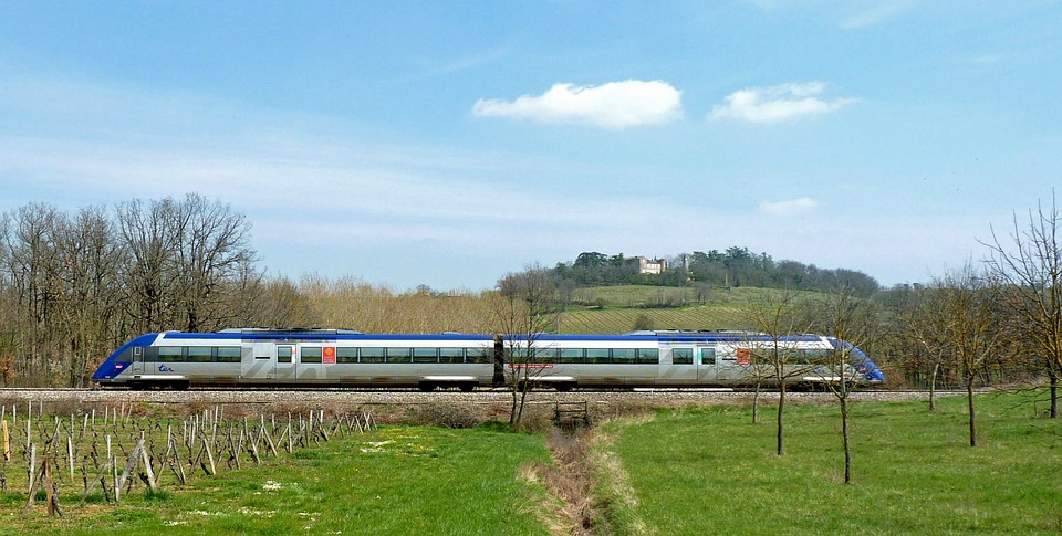 train-1781135_960_720