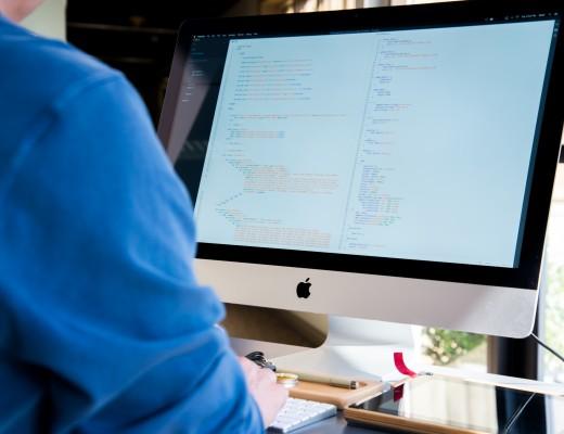 desk-computer-mac-biology-html-code-46781-pxhere.com